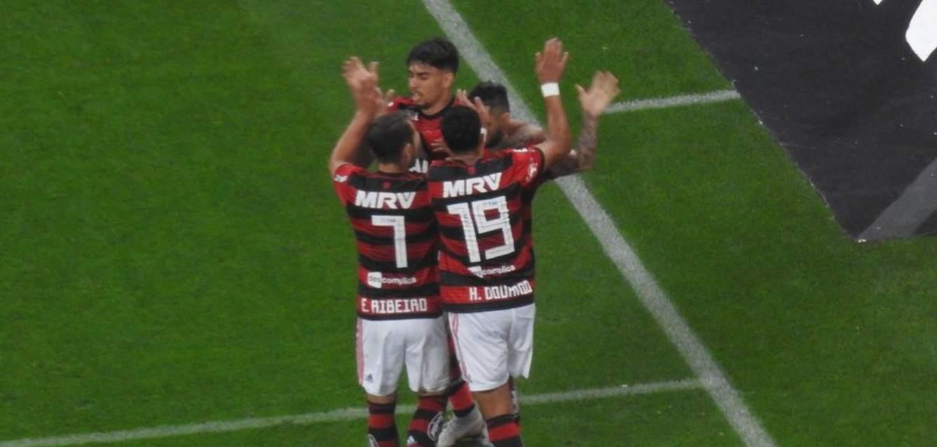 Flamengo empata com Corinthians graças a gol contra - Foto/Divulgação
