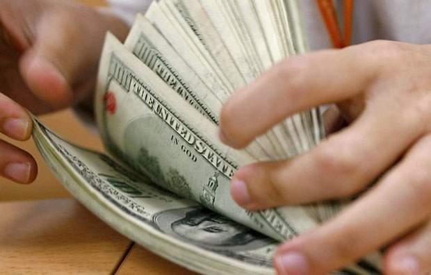 Dólar hoje: moeda opera em baixa e Ibovespa aponta fechamento em alta.