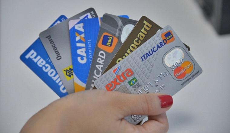 Cartão de crédito para quem está negativado. foto/Reprodução