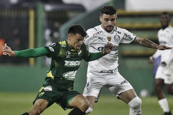 Palmeiras x Defensa y Justicia ao vivo pela copa Libertadores. Imagem - Montagem